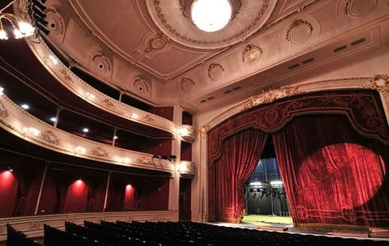 opera_montevideo_teatro-solis_verbena.jpg