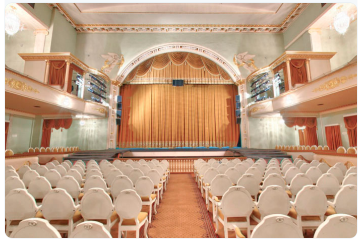 theatre_comedie_musicale_saint_petersbourg.png